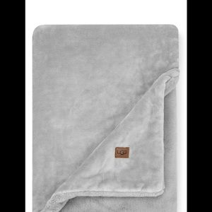 Ugg NWT Coastline Plush Throw Blanket